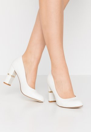 LEATHER PUMPS - Høye hæler - white