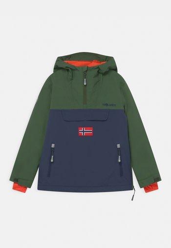KIRKENES ANORAK UNISEX - Ski jacket - forest green/navy/flame orange