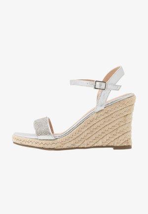 RAA-RAA EMBELLISHED VAMP WEDGE - High Heel Sandalette - grey