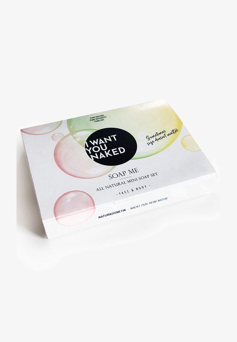 I WANT YOU NAKED - ALL NATURAL MINI SOAP SET - Set pour le bain et le corps - minze&avocado-öl