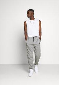 Jordan - Pantaloni sportivi - carbon heather - 1