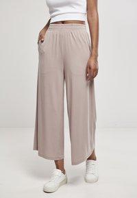 Urban Classics - Spodnie materiałowe - duskrose - 0