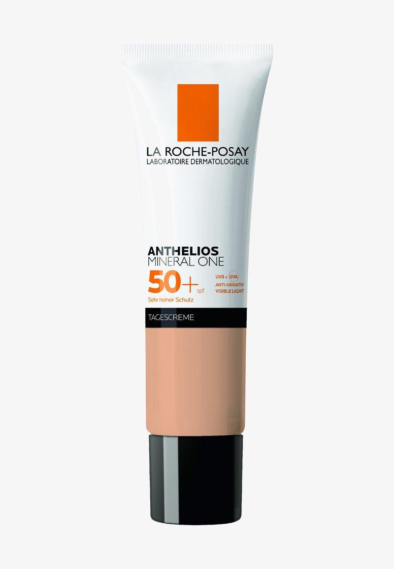 La Roche-Posay - MINERAL ONE LSF 50+ #03 - Sun protection - -
