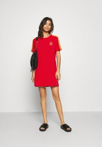 adidas Originals - STRIPES SPORTS INSPIRED REGULAR DRESS - Vestido ligero - red - 1