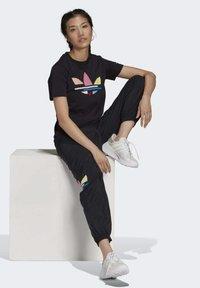 adidas Originals - Print T-shirt - black - 1