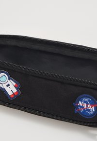Urban Classics - NASA NOTEBOOK & PENCILCASE SET - Other - black - 3