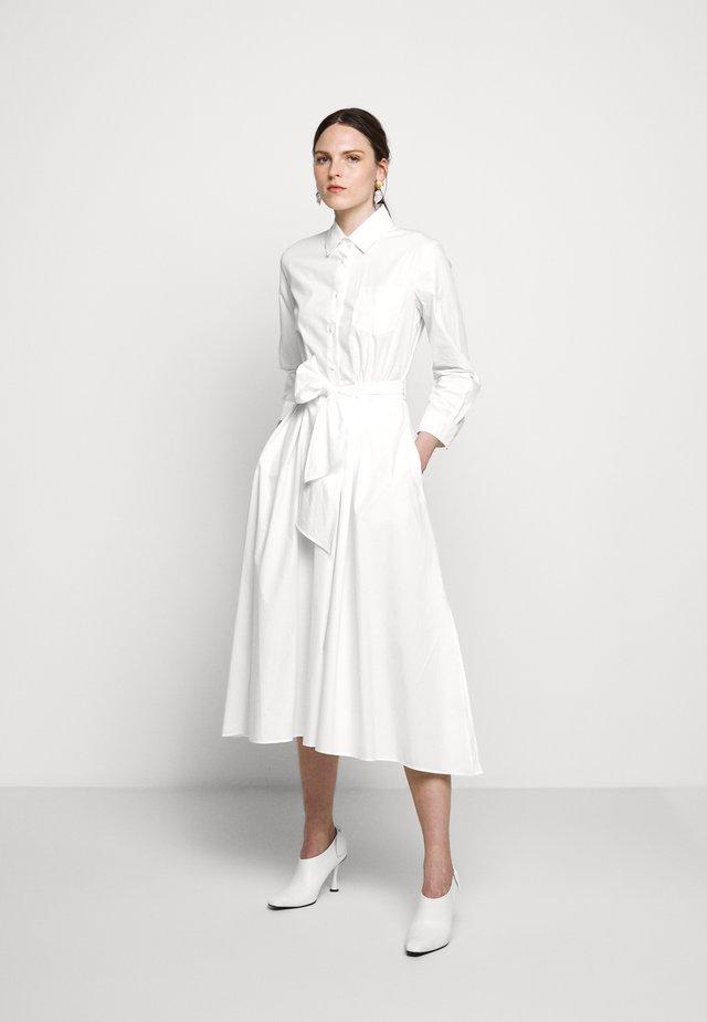 JUMS - Sukienka koszulowa - weiss