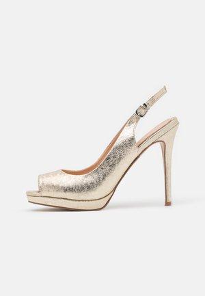 DALLAS - Høye hæler med åpen front - gold