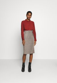 Re.draft - CLASSIC BLOUSE - Button-down blouse - toffee - 1
