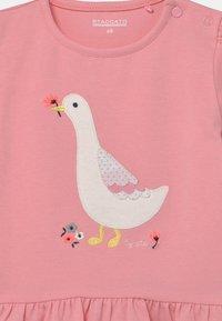 Staccato - SET - Print T-shirt - light pink/dark blue - 3
