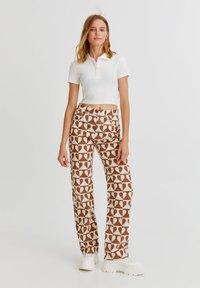 PULL&BEAR - Straight leg jeans - brown - 1