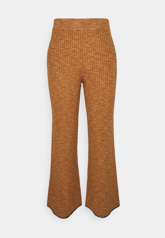 FINE GAUGE PANTS - Pantaloni - chestnut/sky blue