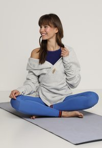 Yogasearcher - SUPTA - Fleece jacket - light grey - 1