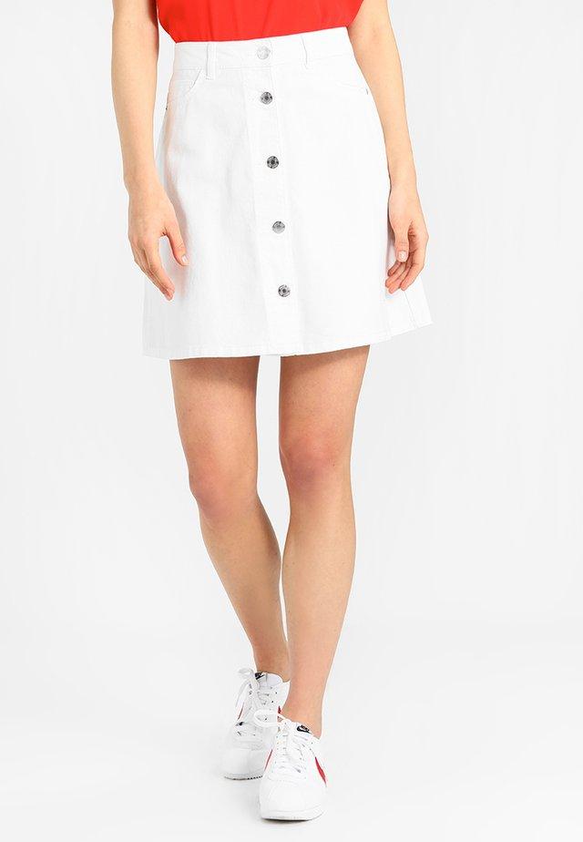 NMSUNNY SHORT SKATERSKIRT - A-linjekjol - bright white