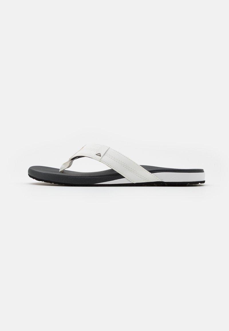 Reef - CUSHION BOUNCE PHANTOM - Sandály s odděleným palcem - white/charcoal