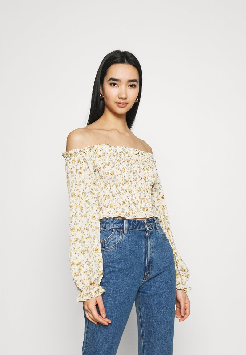 Missguided - FLORAL FRILL DETAIL SHIRRED CROP - Blouse - cream