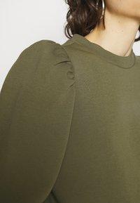 Second Female - CARMELLA  - Sweatshirt - olive night - 3