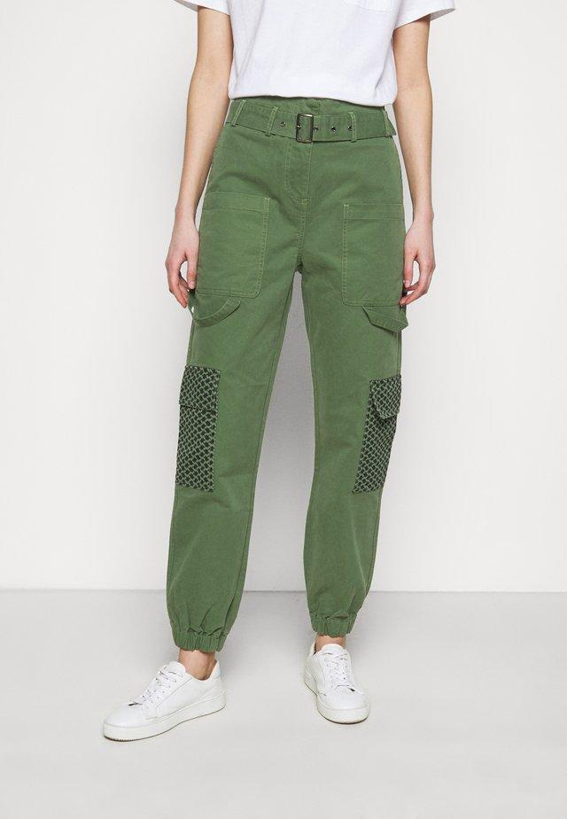 MARTHA - Trousers - army