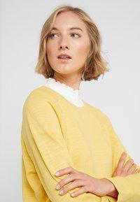 J.CREW - MALIBU TERRY POCKET - Sweatshirt - rich gold - 4