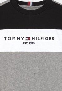 Tommy Hilfiger - ESSENTIAL COLORBLOCK SET - Tracksuit - grey - 3