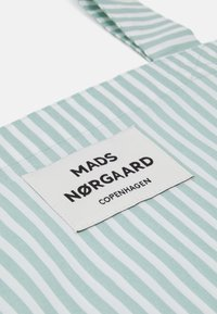 Mads Nørgaard - SACKY ATOMA - Bolso shopping - white alyssum/aqua - 3