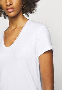 By Malene Birger - FEVIA - T-shirt basique - pure white - 4