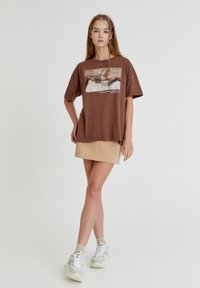 PULL&BEAR - Print T-shirt - brown - 1