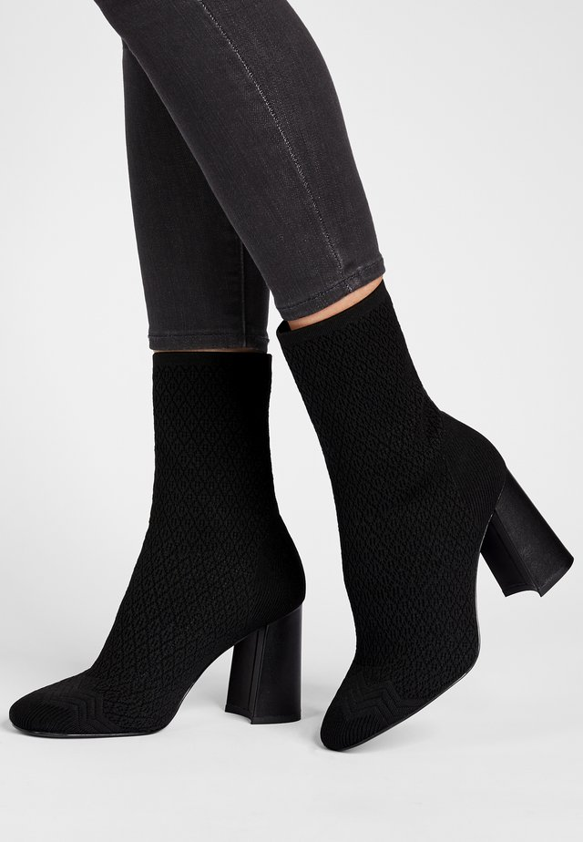 PORTA - High heeled ankle boots - schwarz