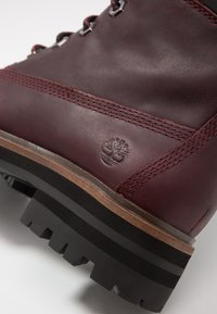Timberland - LONDON SQUARE 6IN BOOT - Lace-up ankle boots - bordeaux - 2