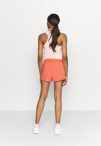 Nike Performance - Sports shorts - crimson bliss/black - 2