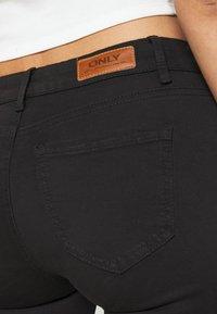 ONLY - ONLMISSOURI LIFE CARGO - Jeans Skinny Fit - black denim - 5