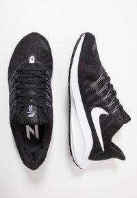 Nike Performance - AIR ZOOM VOMERO  - Zapatillas de running neutras - black/white/thunder grey - 1