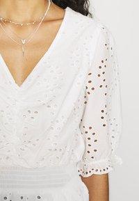 Dorothy Perkins - APRICOT BRODERIE HEM - T-shirts med print - ivory - 6