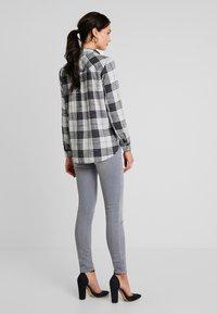 Mavi - ADRIANA - Jeans Skinny Fit - grey sporty - 2