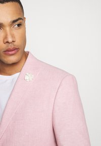 Isaac Dewhirst - PLAIN WEDDING - Completo - pink - 9