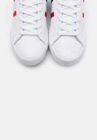 Lacoste - LEROND - Baskets basses - white/navy/red - 5
