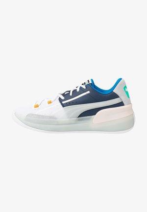 CLYDE HARDWOOD - Basketbalové boty - white