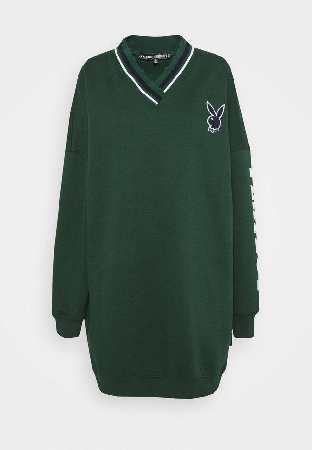 PLAYBOY VARSITY V NECK SWEATER DRESS - Robe d'été - green