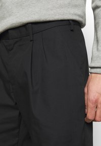 Viktor&Rolf - BERMUDA  - Shorts - black - 5