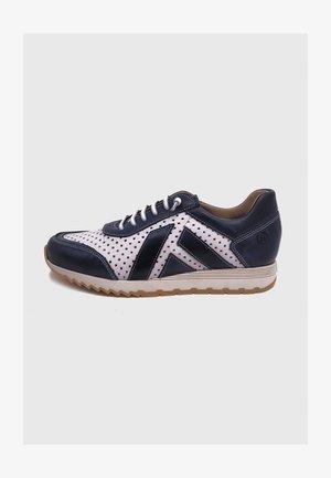 Zapatillas - azul y blanco con picados
