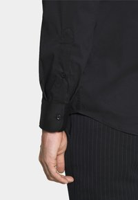 Benetton - BASIC - Formal shirt - black - 6