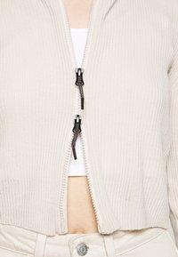 BDG Urban Outfitters - CROPPED ZIP HOODIE - Zip-up sweatshirt - ecru - 5