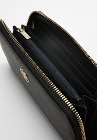 Tommy Hilfiger - HONEY LARGE  - Wallet - black - 4
