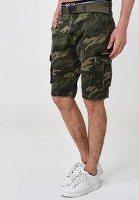 INDICODE JEANS - BLIXT - Shorts - mottled dark green - 3
