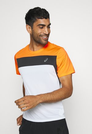 RACE - Print T-shirt - brilliant white/orange pop