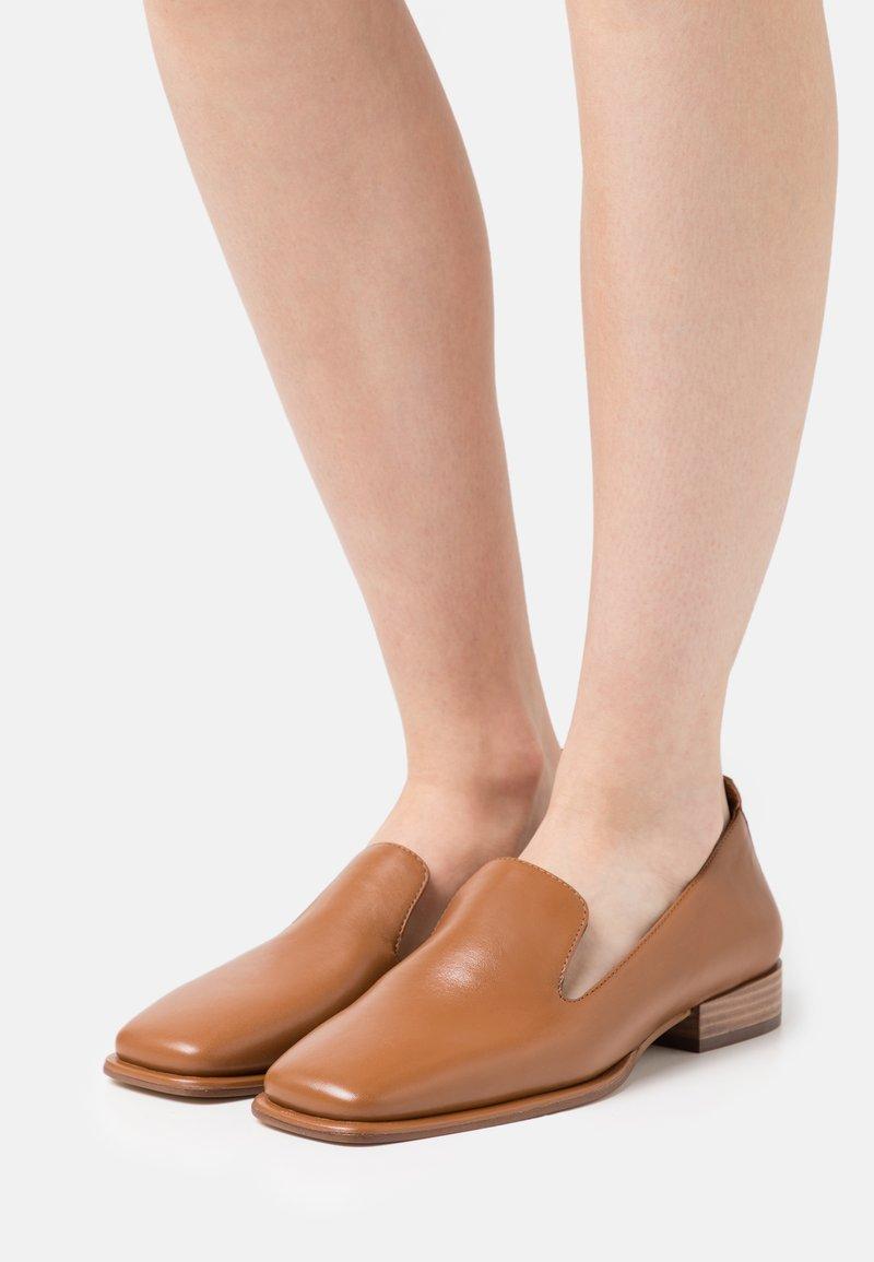 Zign - Nazouvací boty - cognac