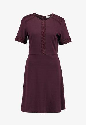 VITINNY LACE DRESS - Vestido ligero - winetasting