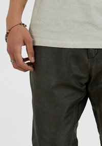 YOUNG POETS SOCIETY - Leather trousers - vintage black - 3