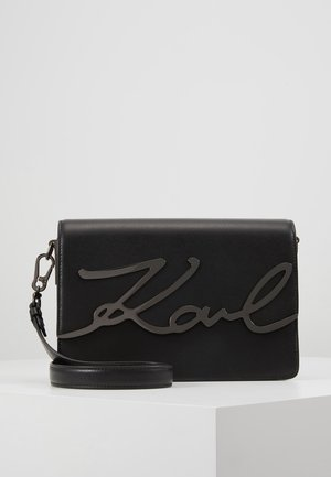 SIGNATURE SHOULDERBAG - Across body bag - black/gun metal
