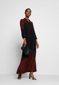 Desigual - VEST LIONEL - Maxi šaty - marron tierra - 1
